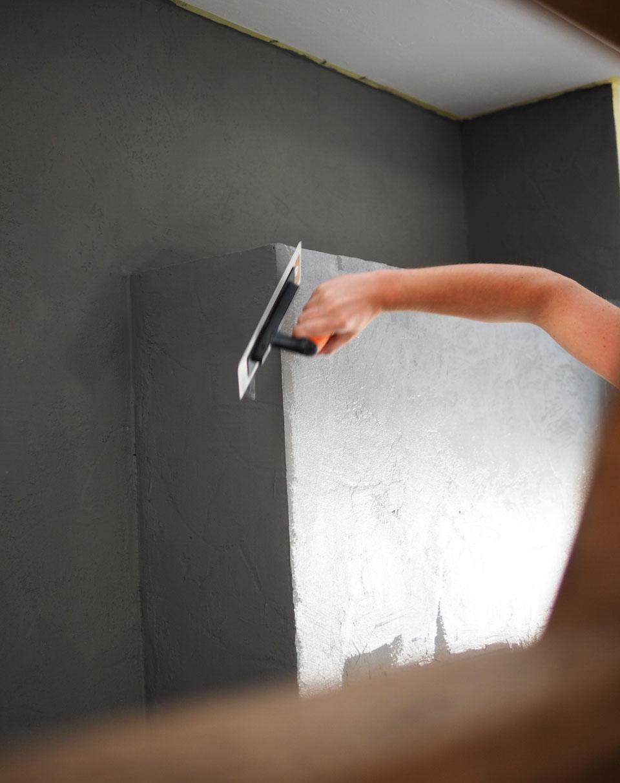DIY, Alpina, Beton-Optik, Streichen, Renovieren, Wohnen, Wohnung, Wohnzimmer, Wand streichen, Effekt-Farbe, Beton