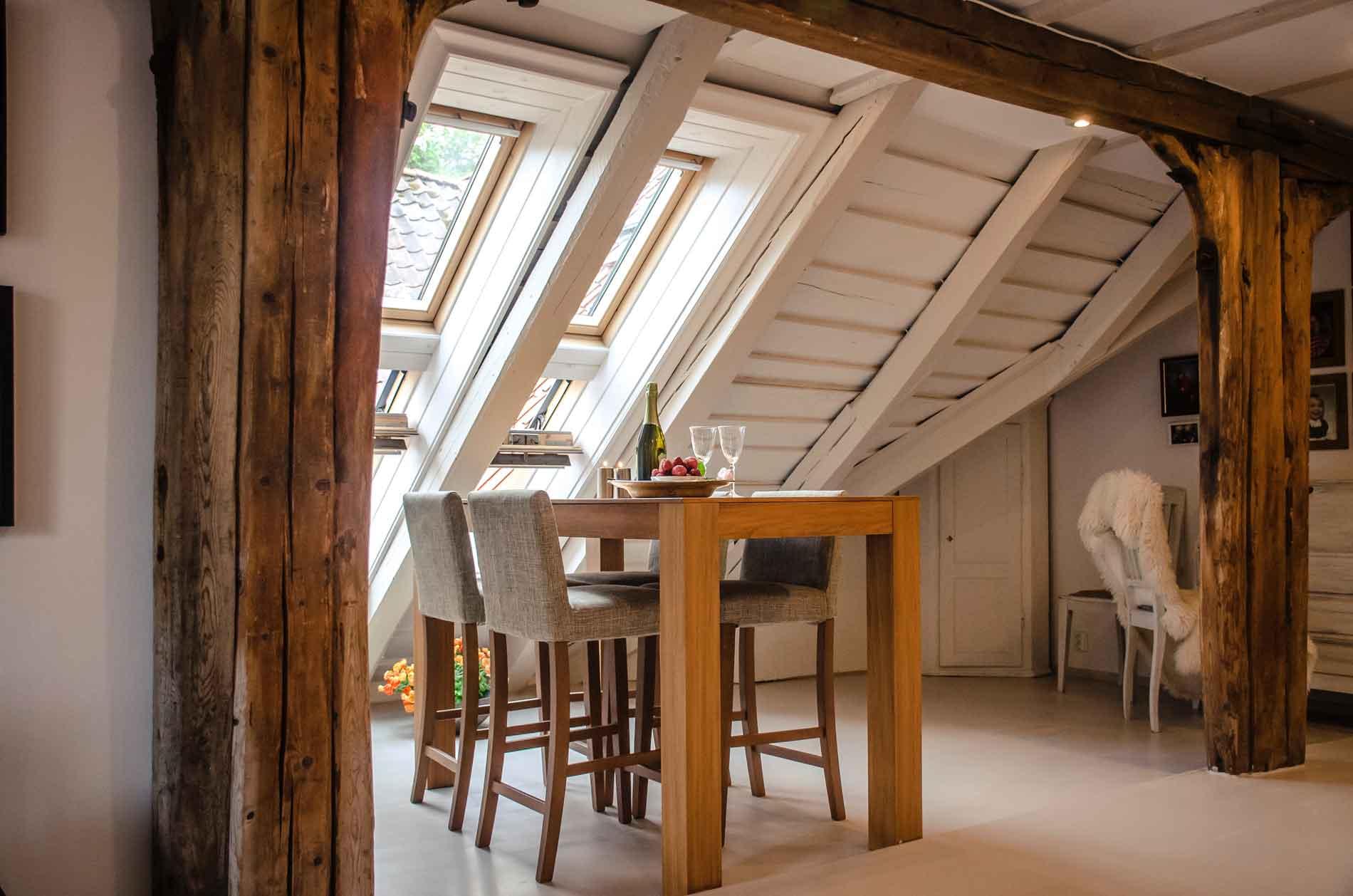 Home & Living, Wohnen, Wohnraum, Velux, Rollos, Plissees, Rolladen, Zuhause,