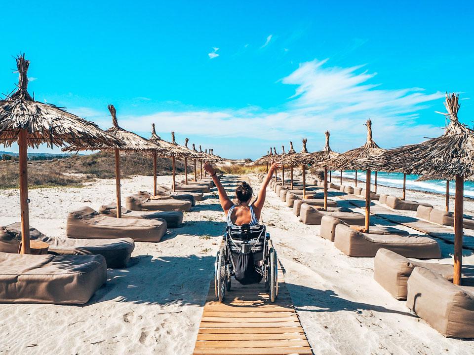 Reisen mit Rollstuhl, Reisen im Rollstuhl, Kim von Wheeliewanderlust, Interview mit Kim von Wheeliewanderlust, barrierefreies Reisen, Reisen auf vier Rädern