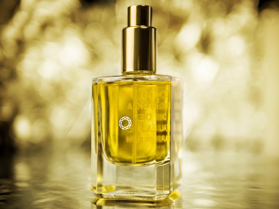Parfüm Review Saskia Diez, Saskia Diez Gold, Saskia Diez Silver, Parfüme von Saskia Diez, Duft, Parfüm für Frauen, Frauenduft, Herrenduft, Parfüm für Männer, Unisex Parfüm,