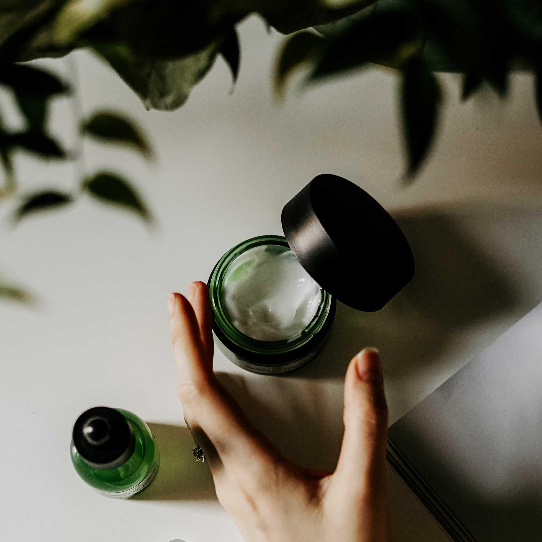 Peelings, Peeling, Gesichtspeeling, Peeling für das Gesicht, Naturkosmetik, Beauty Tipps, Wohlbefinden, Hautpflege, Gesichtspflege, Gesichtspflege mit Peeling,