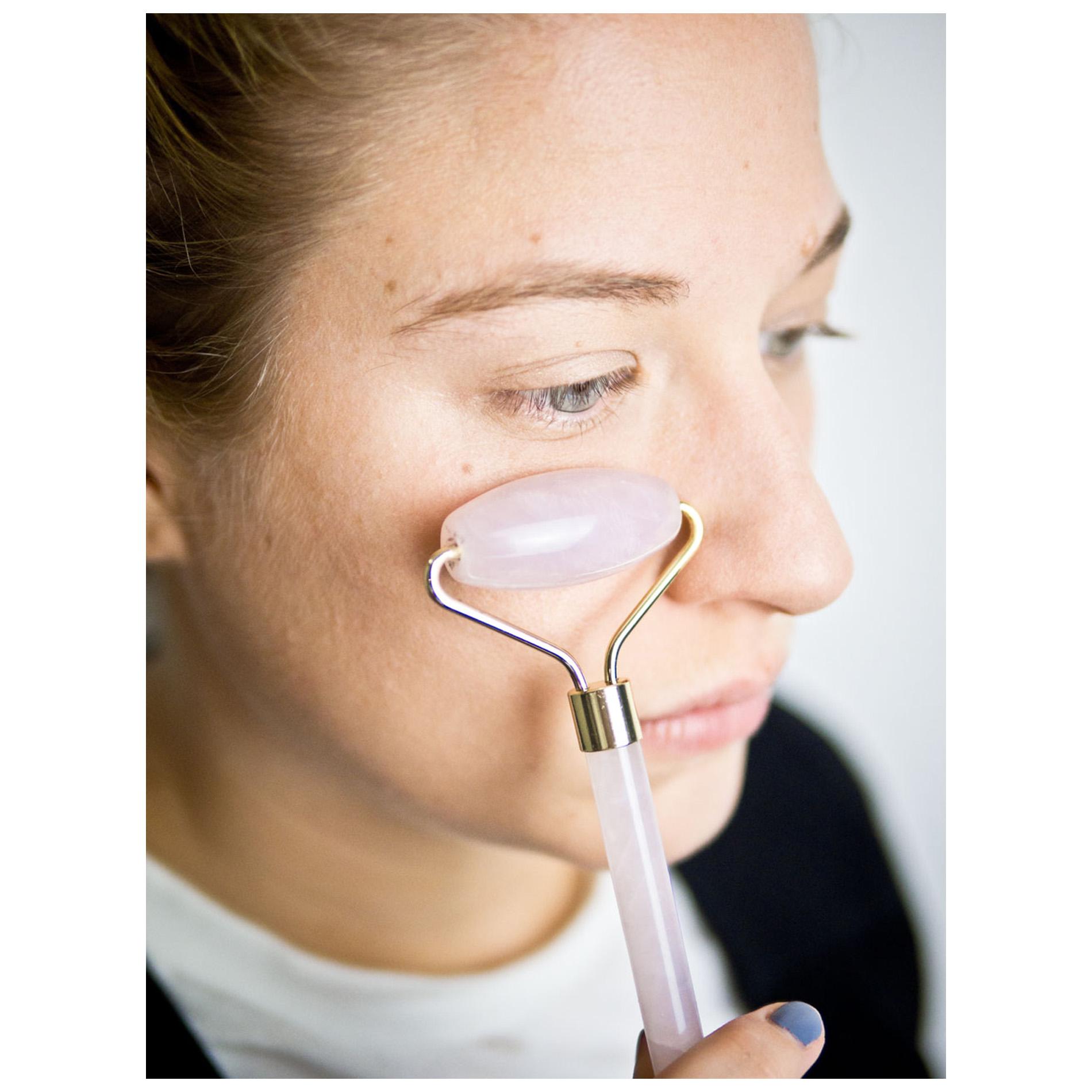 Was hilft bei Augenringen, Tipps gegen Augenringe, Augenringe abdecken, Augenringe loswerden, Beauty Tipps, Augenringe entfernen, Augenringe abdrecken, Hausmittel gegen Augenringe
