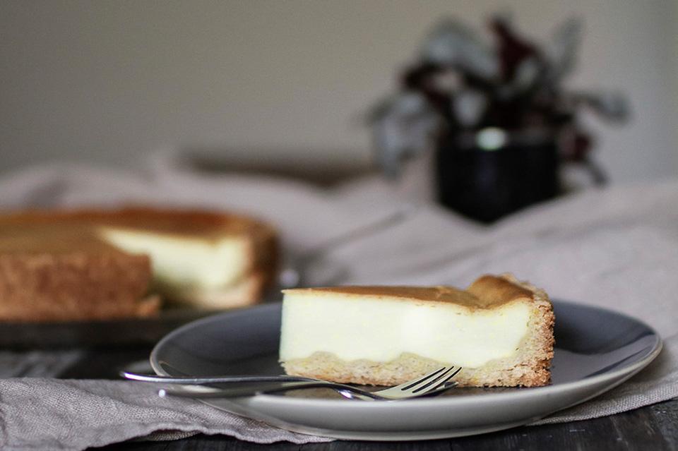 Keesekuchen, veganer Käsekuchen, Rezept für einen veganen Käsekuchen, amerikanischer Keesekuchen (vegan), vegane Rezepte, Hygge, ElisaZunder Blogazine, Heimatgemüse