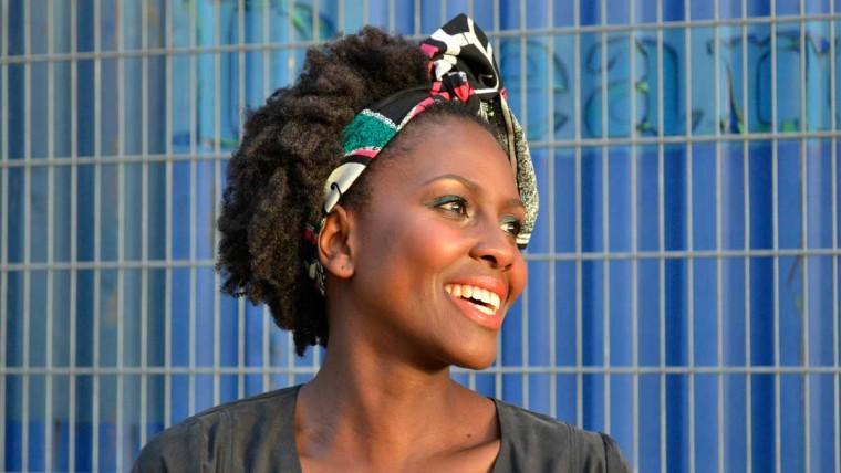 ŌMAKA Naturkosmetik, Haarpflege für Afro Haare und Locken, Haarpflegeprodukte, Naturkosmetik fürs Haar, Jen Martens, Festes Shampoo, Naturkosmetik Haarpflege, Haarpflege