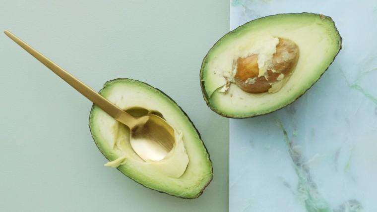 Avocado Gesichtsmaske selber machen, Avocado Gesichtsmaske, Gesichtsmaske selber machen, Hautpflege, Beauty Hacks für schöne Haut, Beauty Hacks gegen trockene Haut, Beauty Hacks für sensible Haut, Beauty, Lifestyle Blogazine