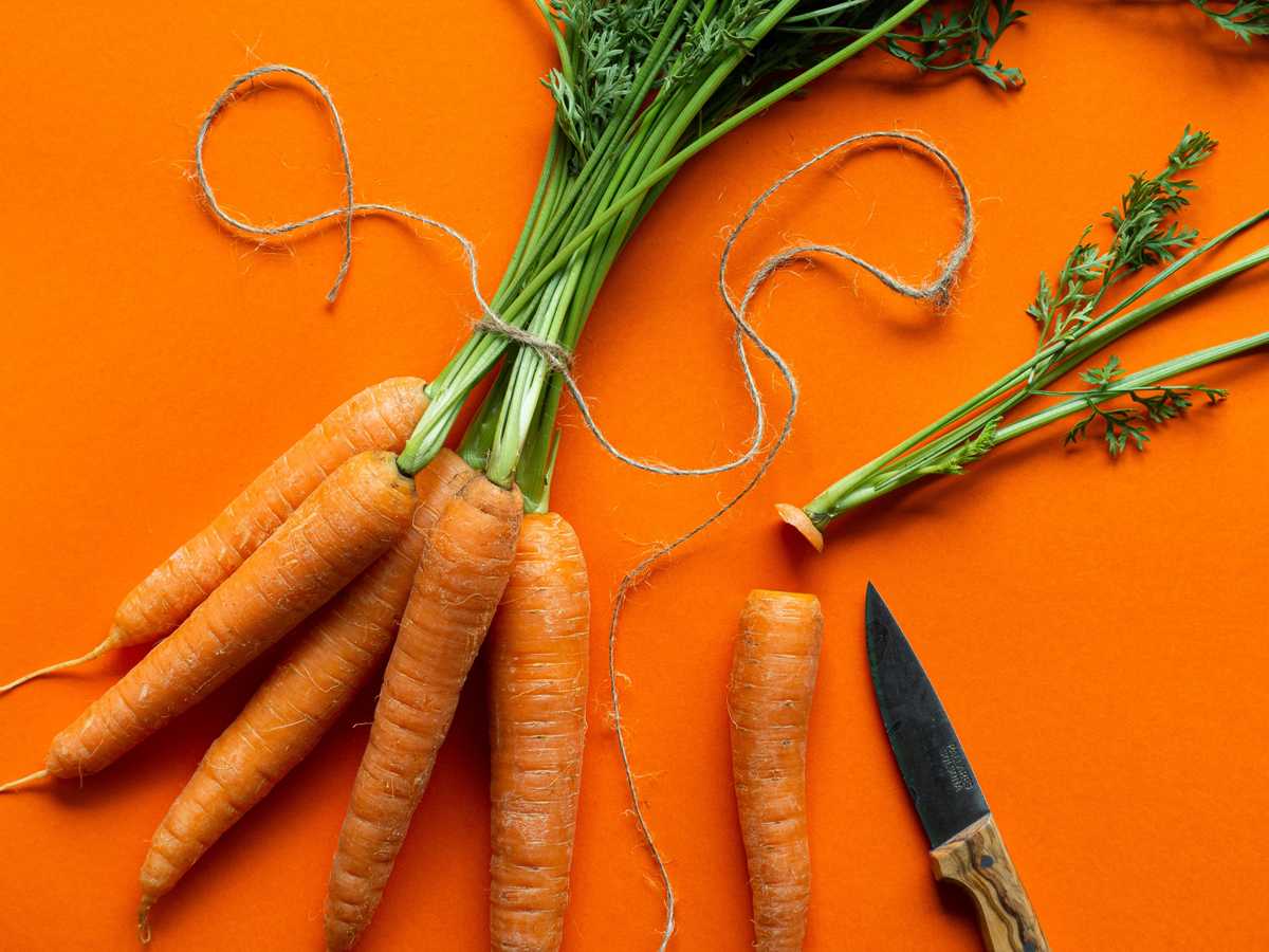 Karottenöl, Anwendung Karottenöl, Haut Karottenöl, Haare Karottenöl, Karottenlöl kaufen, Wirkung Karottenöl, schöne Haut, Beauty Booster, schöne Haare