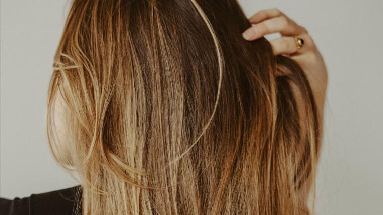 Bestes Haaröl, gutes Haaröl, Haaröl Anwendung, Haarpflege, Haaröl im Test, ElisaZunder Blogazine
